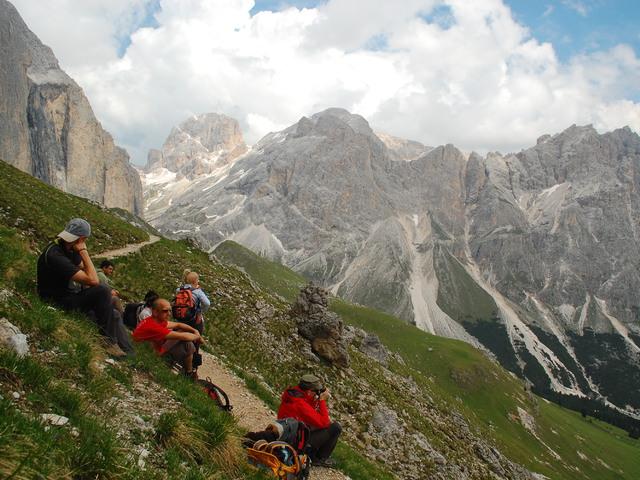 Pihenő a Dolomitokban