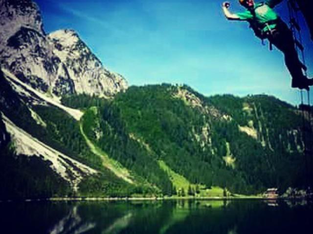 Másszunk! Let's climb! #mertutaznijo #eupolisz #austria365 #salzkammergut #viaferrata #klettersteig #gosausee #climbing #summer #lake