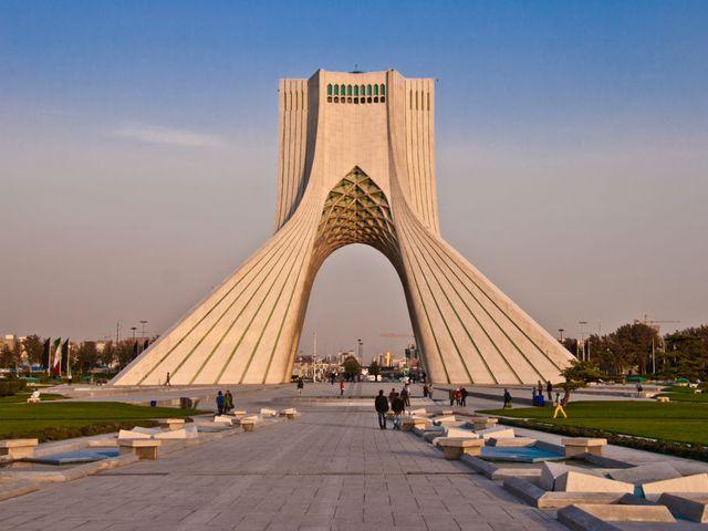 Irány Irán!