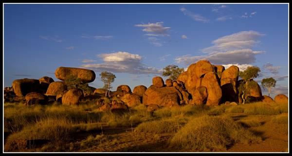 200902_devils-marbles-panorama_32_op.jpg