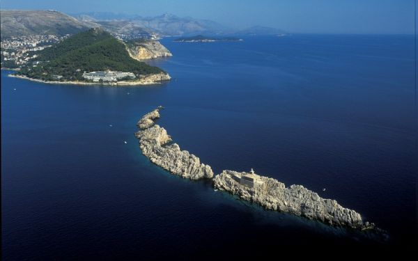 Croatia_Lighthouse_2493481k.jpg