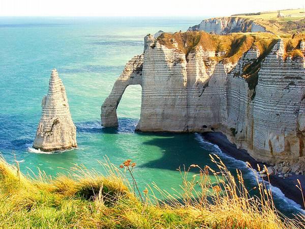 Etretat-Normandy-2.jpg