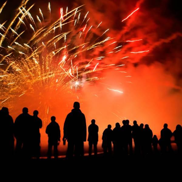 Fireworks-Las-Fallas-Valencia.jpg