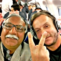 Muszlim terrorista, hányózacskó és más fordulatok a repülőgépemen...