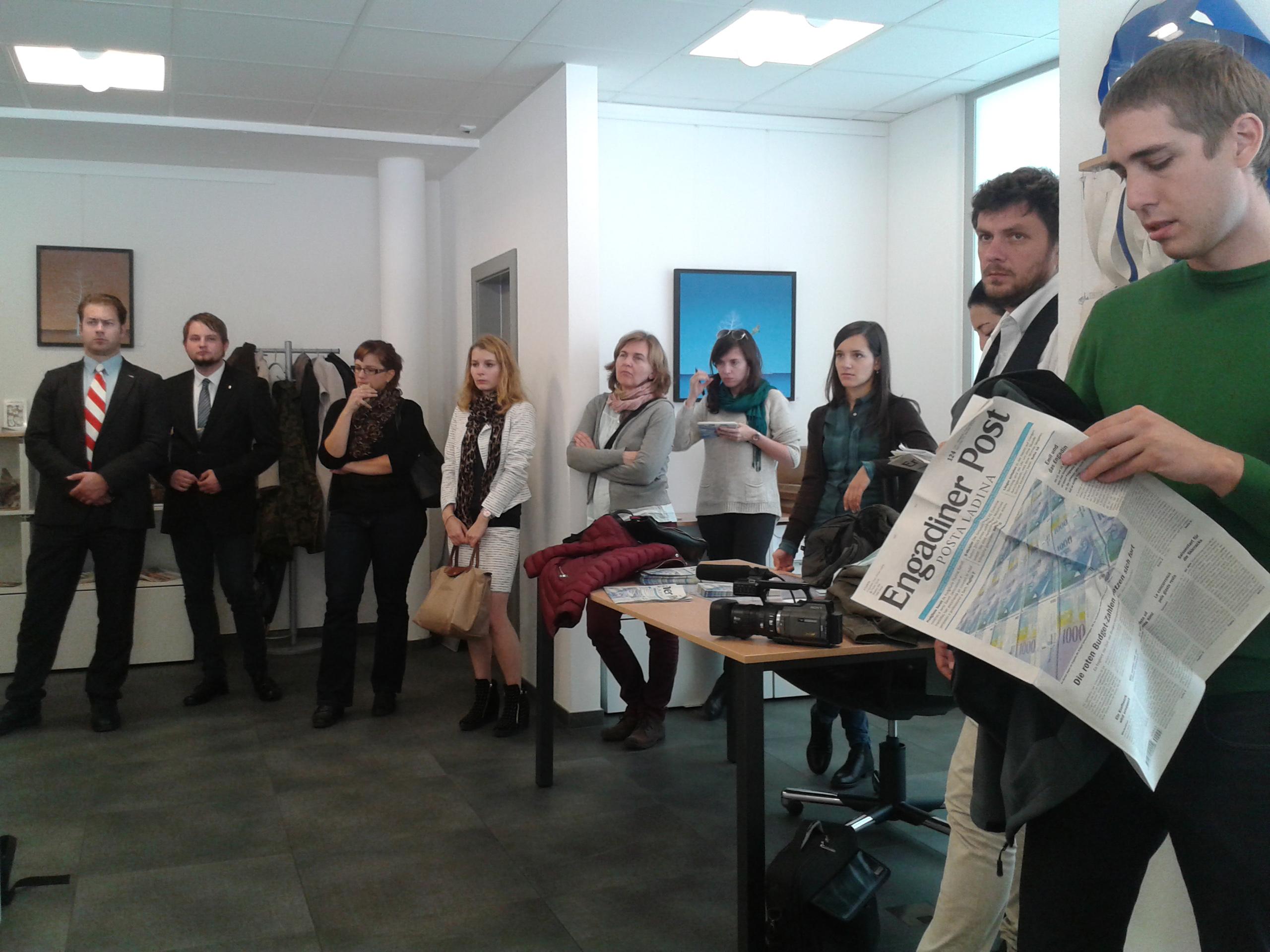 Posta Ladina szerkesztőségében - csoportunk egy része.