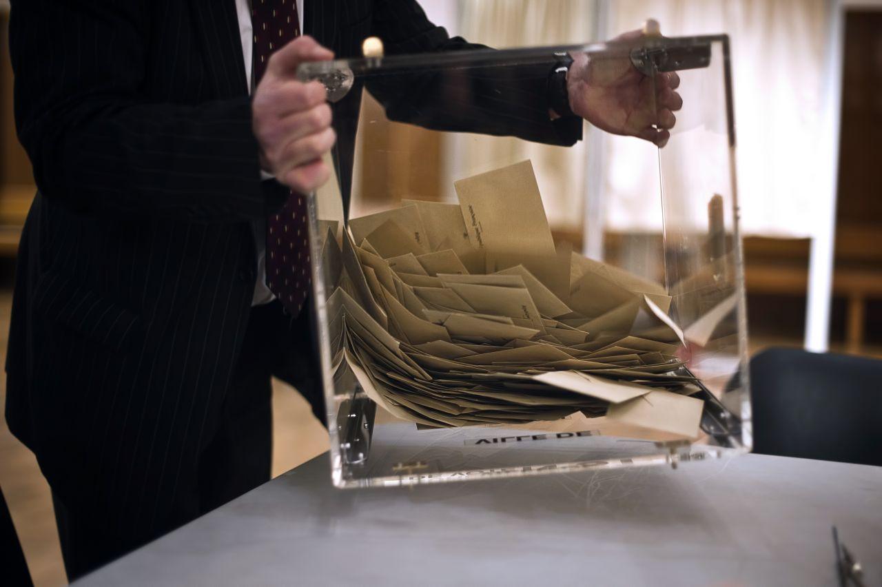 urne voturiuiklkl.jpg
