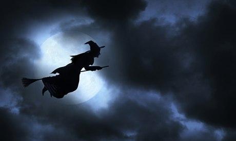 A-Halloween-witch-flies-a-018.jpg