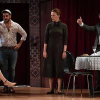 """Belvárosi Színház – Orlai Produkció – """"Összetartozunk?"""" – Szemünk fénye – 2019.10.24."""