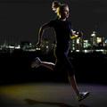 Így teheted biztonságossá az éjszakai futást!
