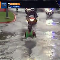 Elnyelte a víz a maratonfutót!