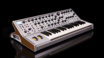 Fejlesztett a Moog a Sub 37-en