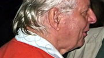 Elhunyt Stockhausen