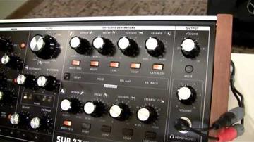 Moog Sub 37, részletesebben
