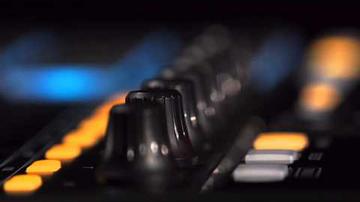 Új, MPC-stílusú kontrollerek az Akainál