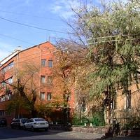 Izabella utca 1.