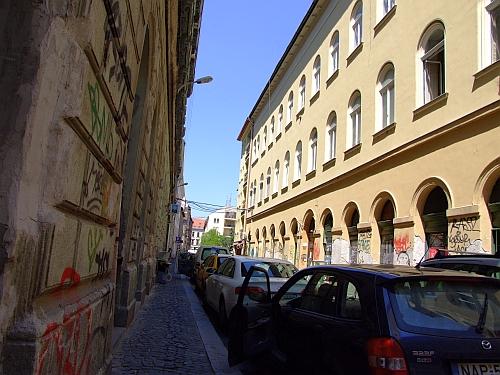 hollo_utca.jpg