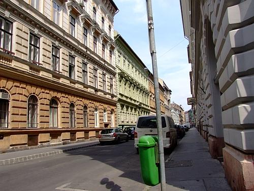 munkas_utca.jpg