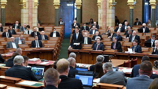parlament2020-1.jpg