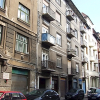 793. Garázsház a Víg utcában