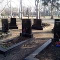 327. Séta a temetőben II.