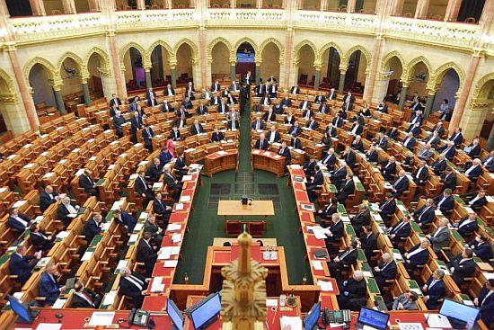 parlament2020.jpg