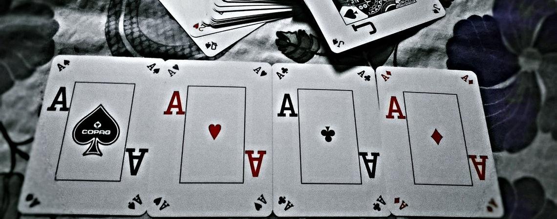 Ötperces pillanatok - Kártyaparti