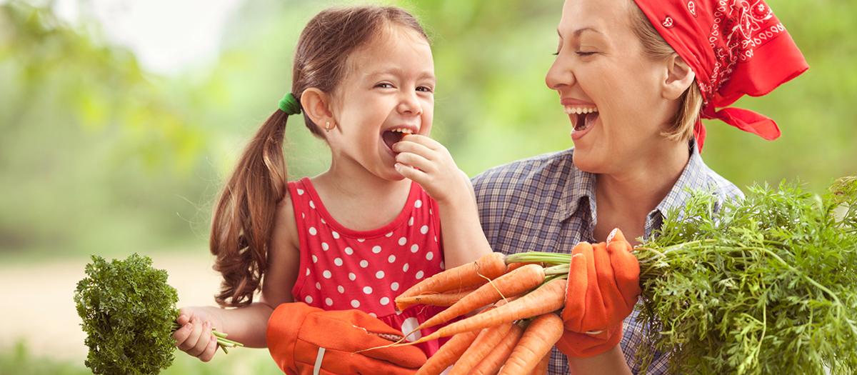 mother-daughter-vegetables-1200-525.jpg