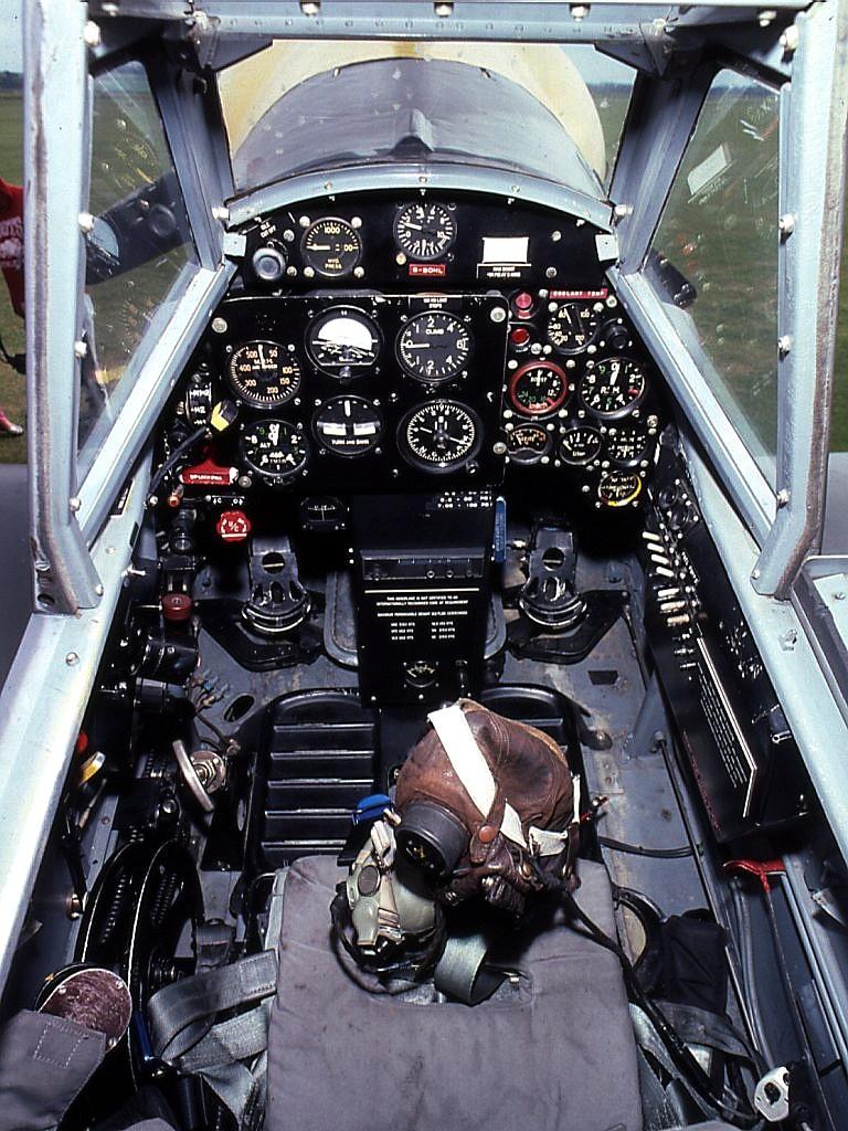 cockpit_ha_1112-m1l_buchon_g-boml.jpg