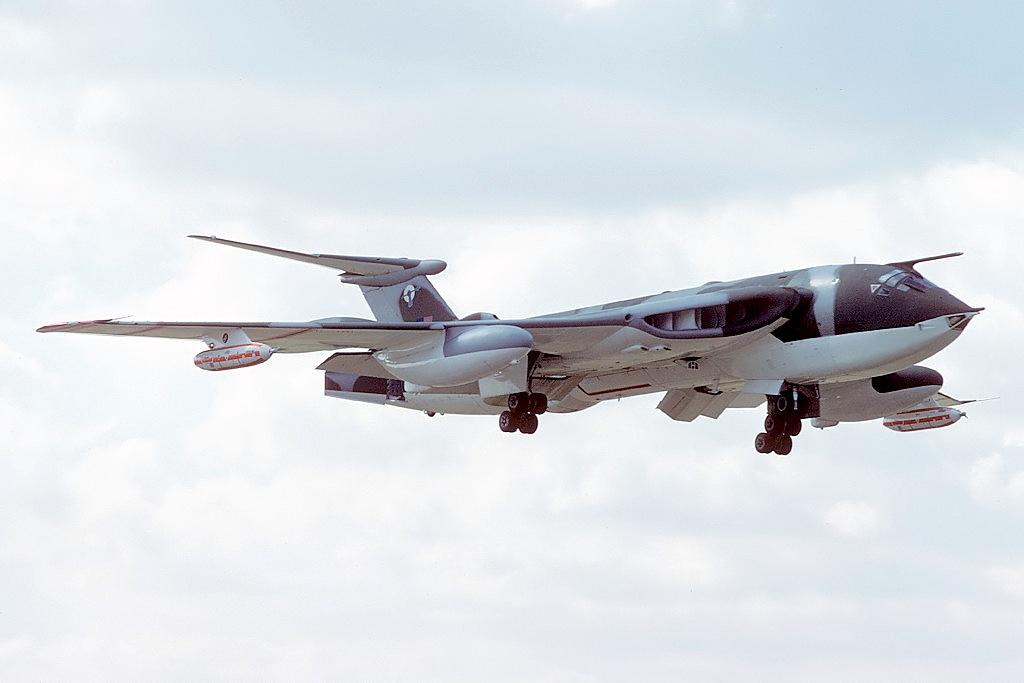 handley_page_hp-80_victor_k2_uk_air_force_an2272519.jpg