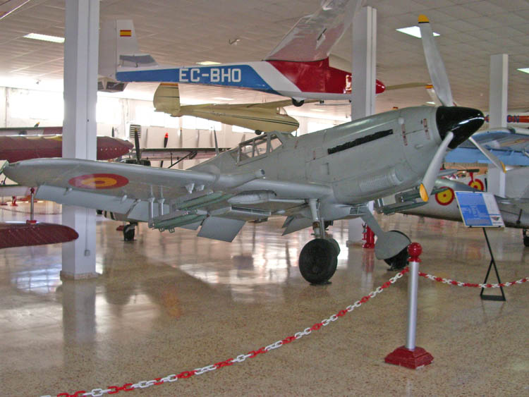 hispano_aviacion_ha-1112_k_1_l_tripala.jpg