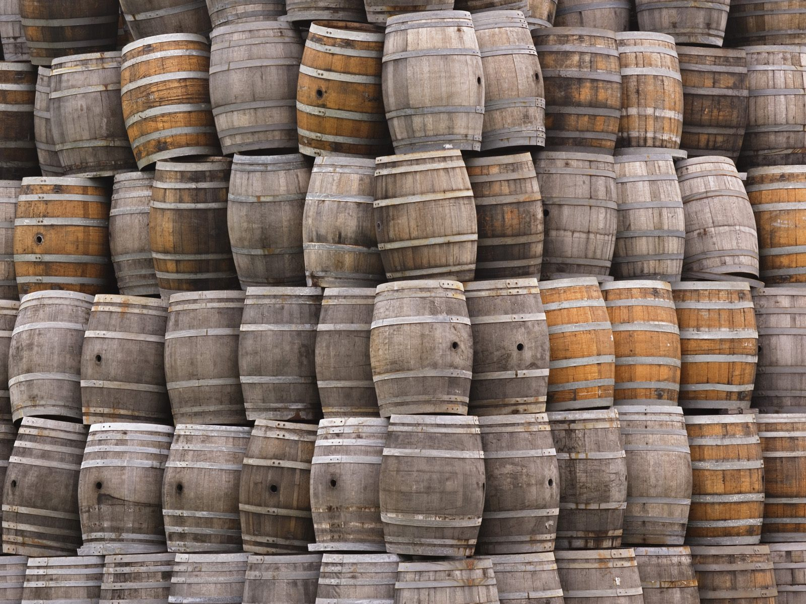 stacked_wine_barrels_napa_valley_california.jpg