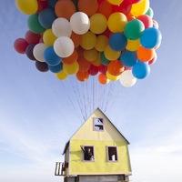 Mesebeli repülő ház