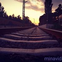 Megy a vonat, fut a vonat, zúgó robogás...