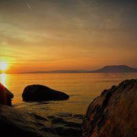 Kövek és fények #balatoni_fotók #fonyódliget #naplemente #ősszelisbalaton