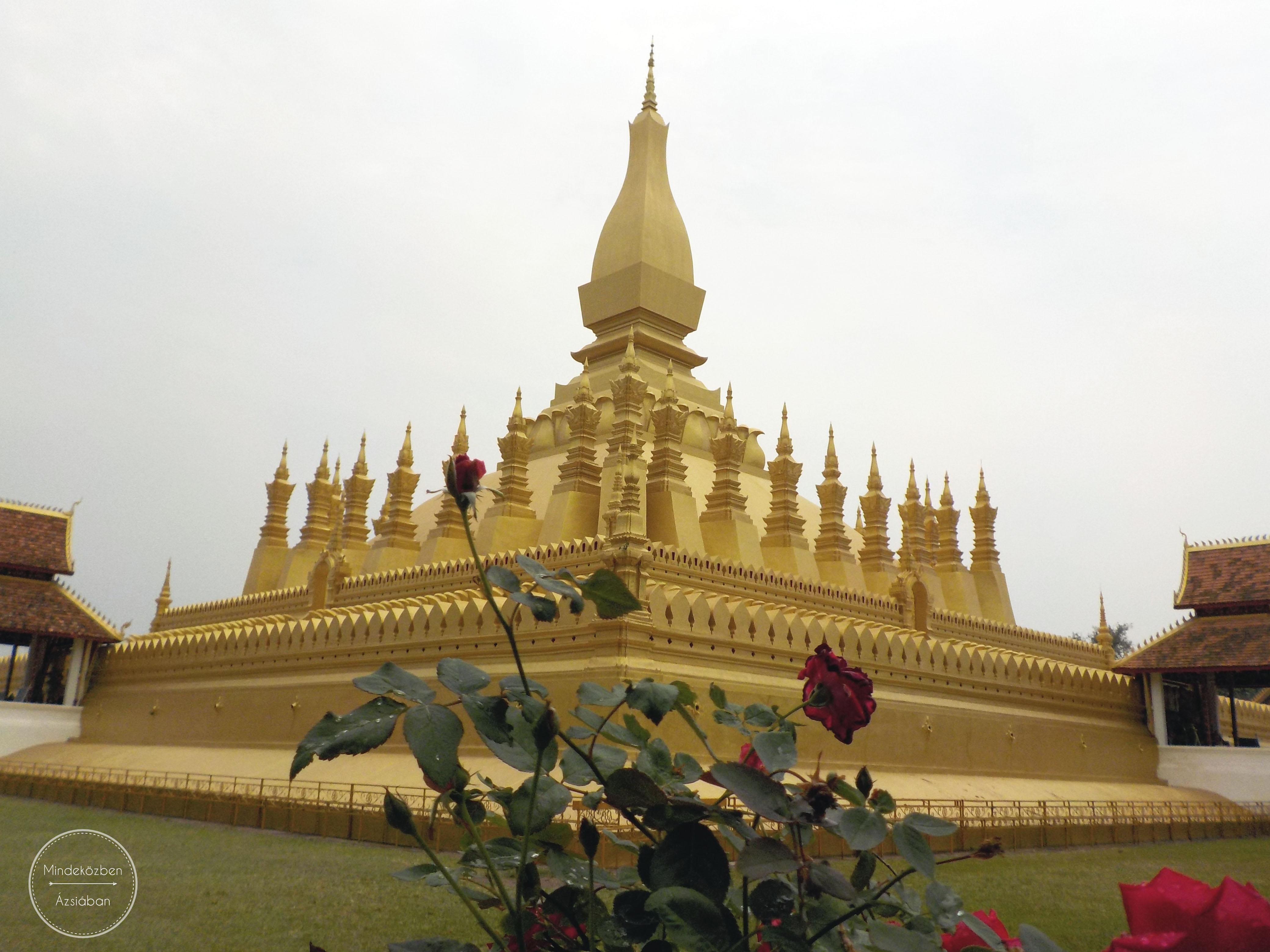 Laosz jelképe a híres Pha That Luang.