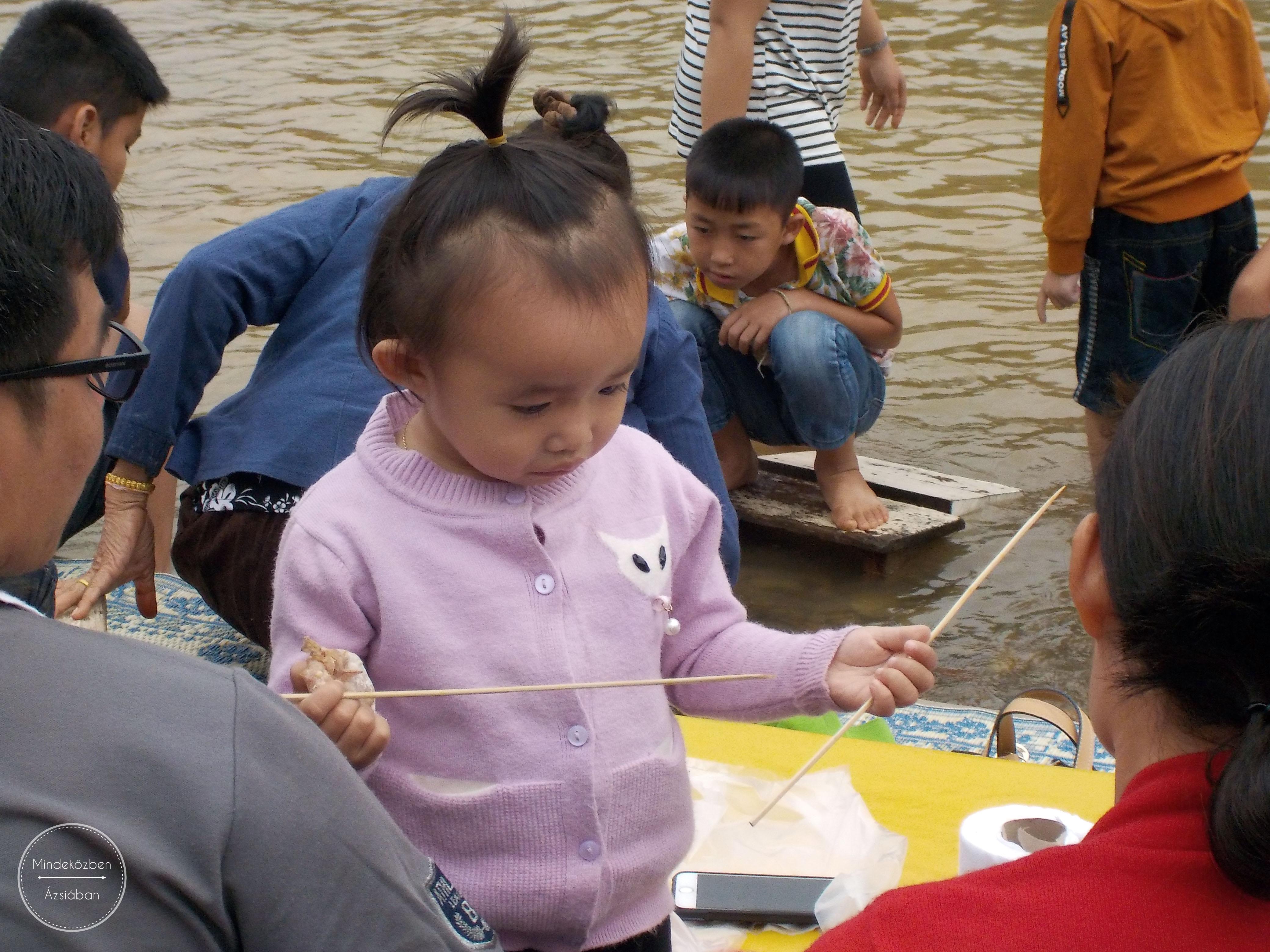 A laoszi gyerekek hihetetlen cukik!