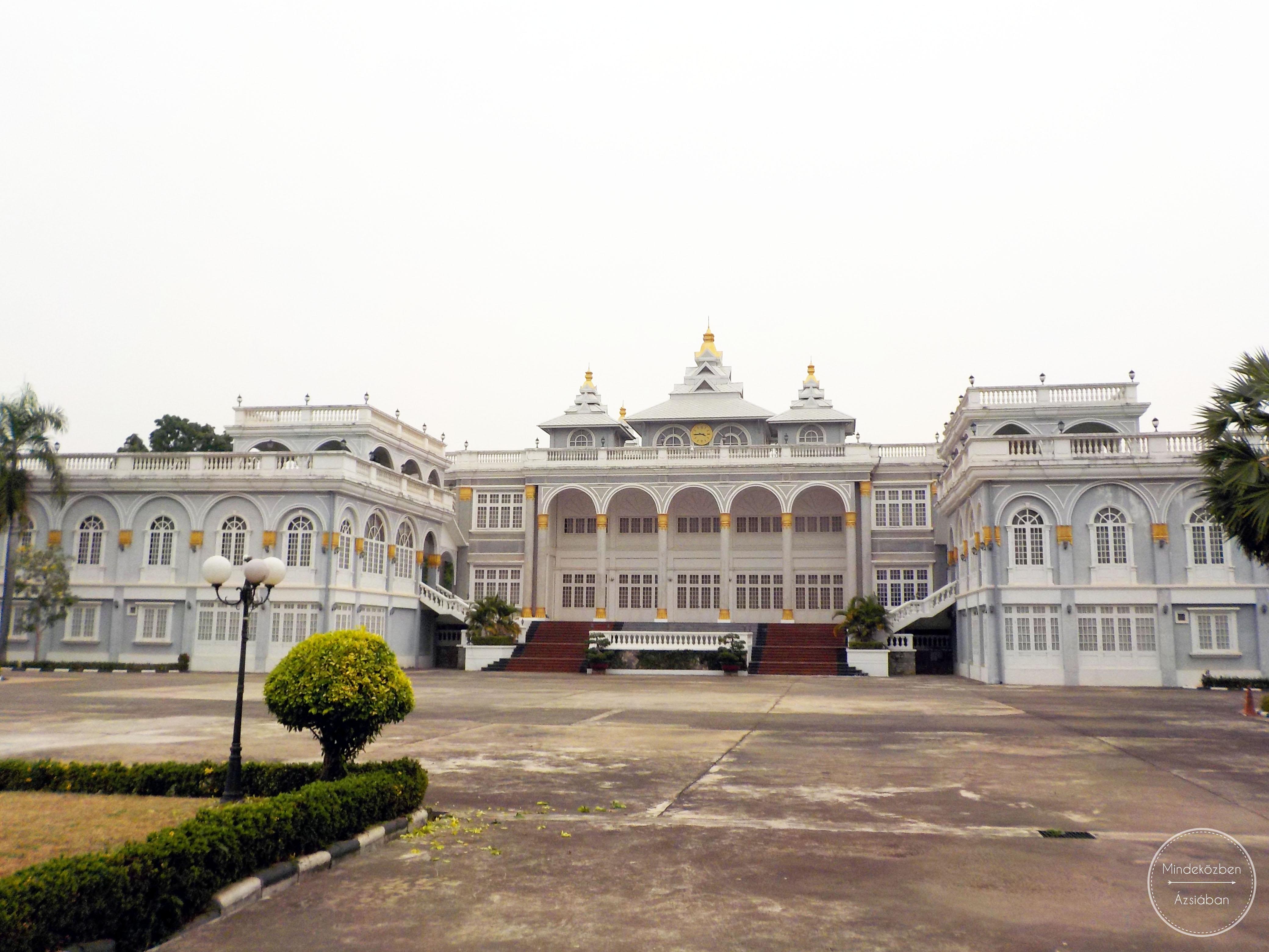 Elnöki palota, amelyben nem lakott az elnök.