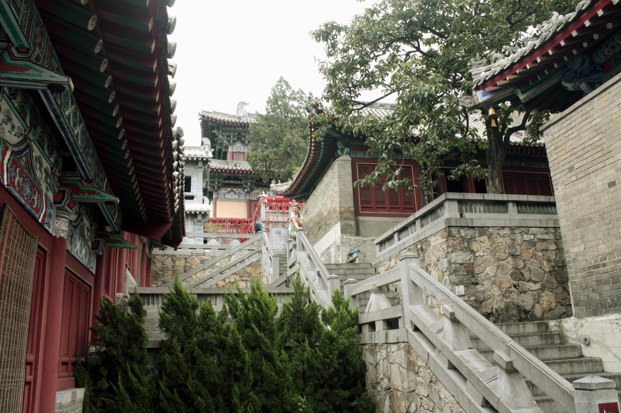 A hatalmas Kínában csak 4 helyen csináltak hasonló barlangszobrokat a504144c8d