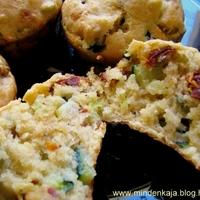 Aszaltparadicsomos olivás muffin