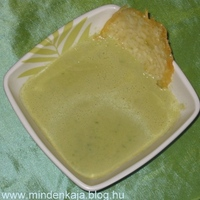 Zöldspárga krémleves