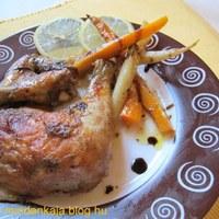 Narancsos balzsamecetben sült répás csirke