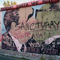 Brezsnyev újra csókol Berlinben