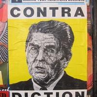 Poster art: Robbie Conal és a politika