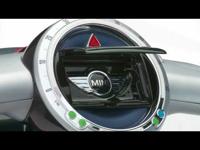 Mini és Smart robogó a Párizsi autószalonon