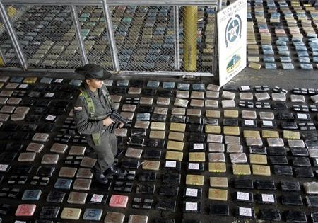 Praktiker Mexikó - Járólap kokainból 990,-ért