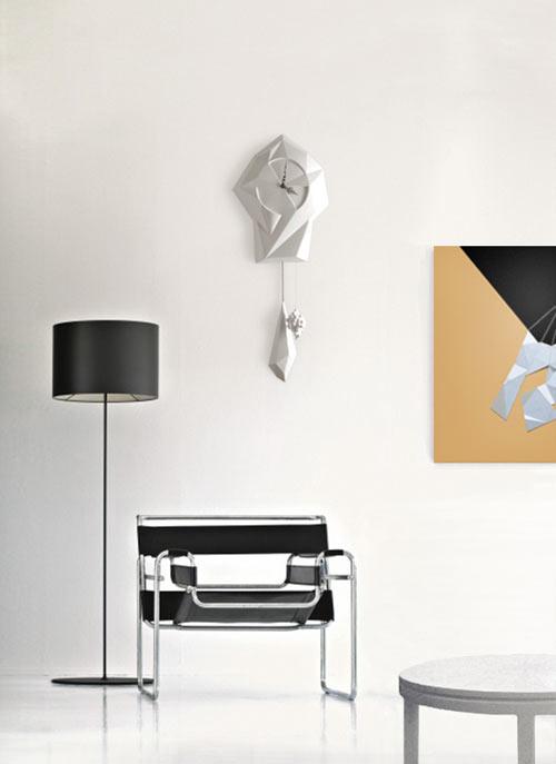 Modern kakukkos óra és Vaszilij szék