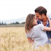 A csók gyógyítja az anorexiát