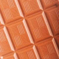Lehet, hogy a csokoládé-pirulák fognak megvédeni minket a szívrohamtól és a stroke-tól?