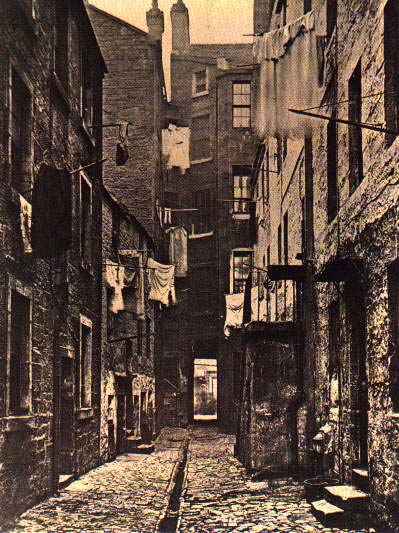 victorian-alley-with-open-sewer-and-one-privy.jpg