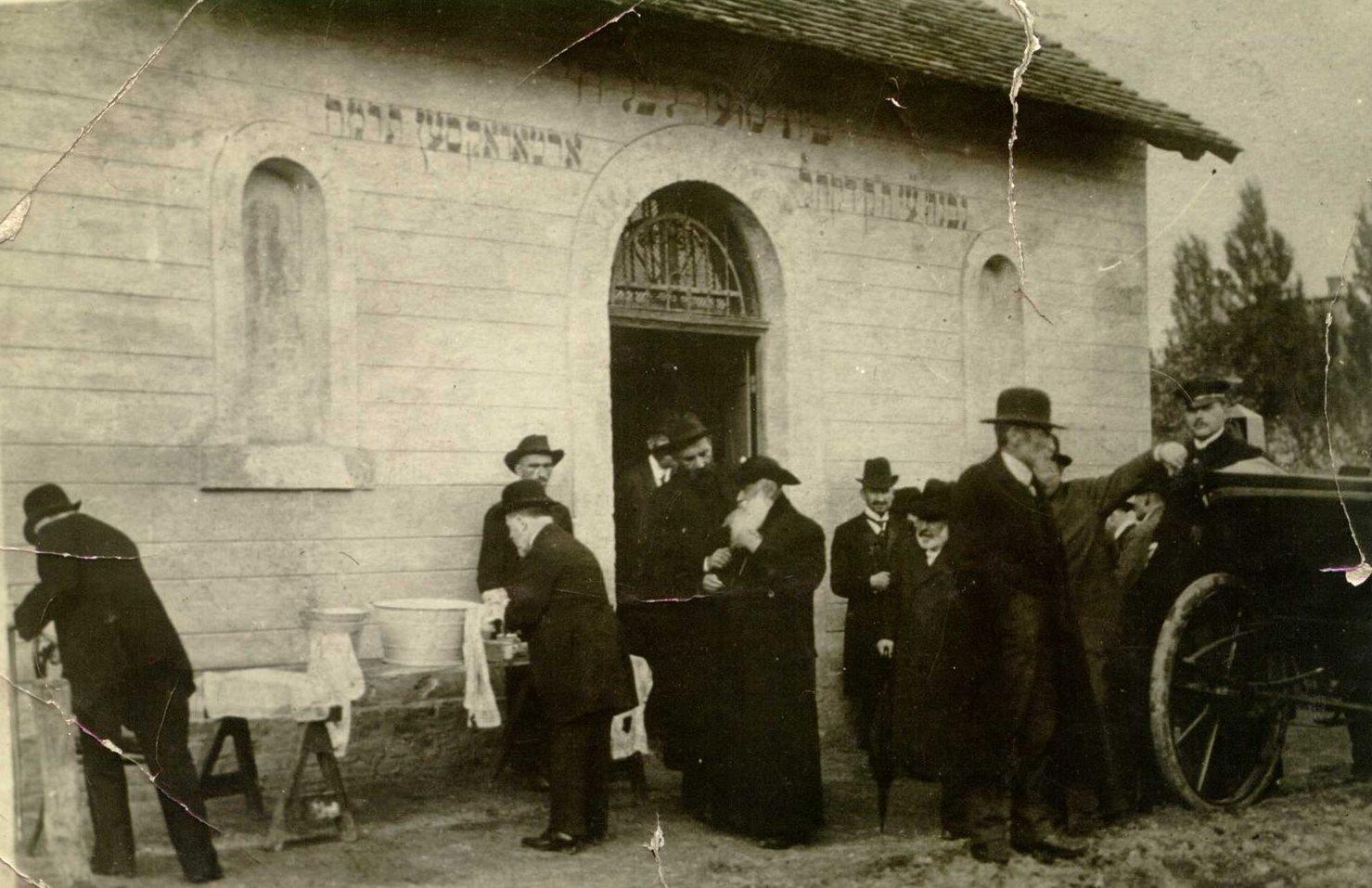 zsidó temetés.jpg